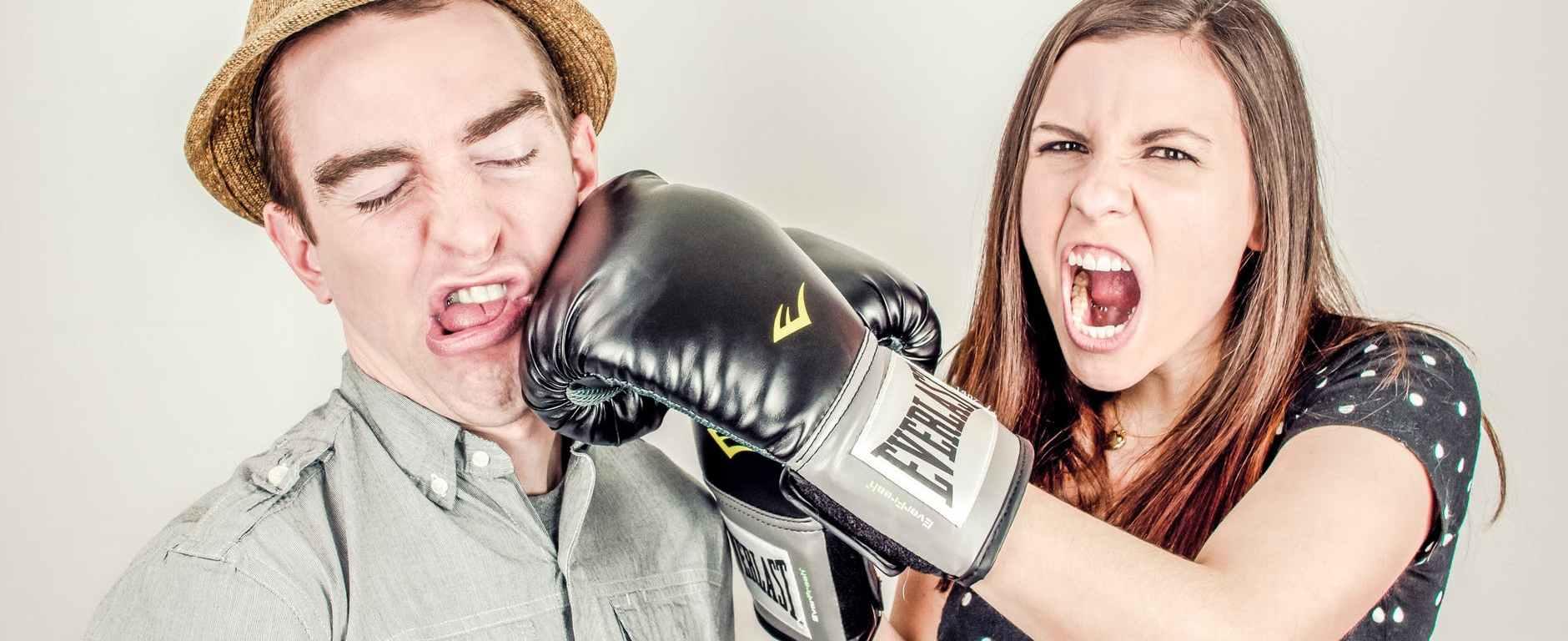 διαζύγιο, χωρισμός, συγκρούσεις. εχθρική σχέση, κακή επικοινωνία, λόγοι χωρισμού
